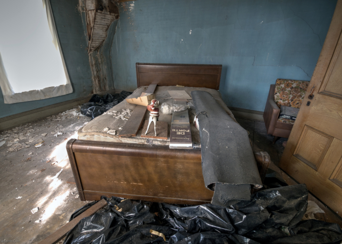 abandoned bed and breakfast
