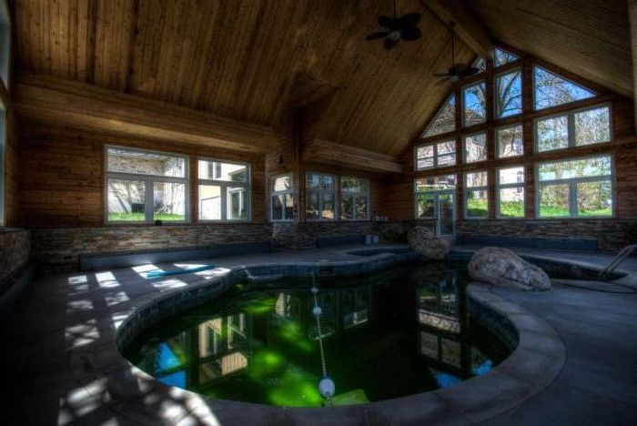 London, Ontario party mansion pool