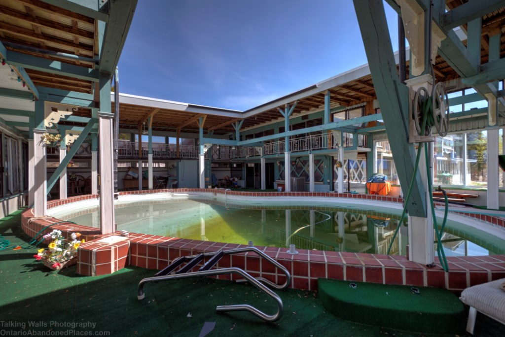 abandoned Ontario retro 1970 house with jukebox and indoor pool