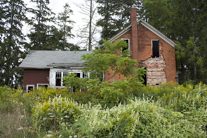 15th line Woodstock Ontario abandoned house