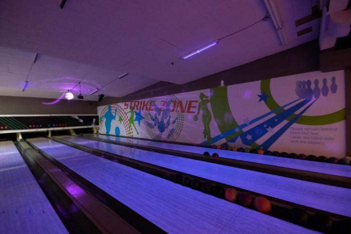 /All-Star-Bowling-abandoned-Ontario_loc15876.html
